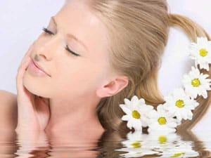 Мытье светлых волос