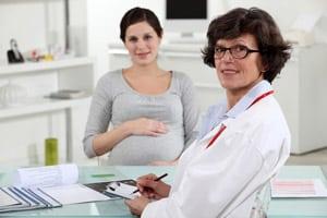 мнение врачей насчет окрашивания волос при беременности