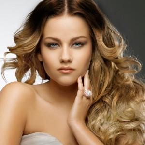 Покраска светлых волос в стиле омбре