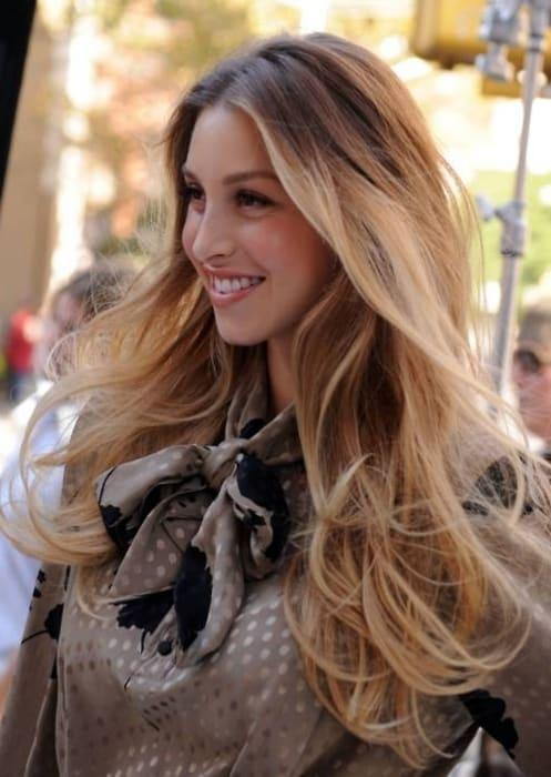 Омбре на светлых волосах вид спереди 2