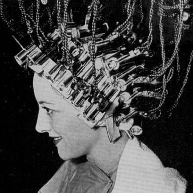 Первые щипцы для завивки волос 2