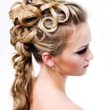 Прически с помощью стайлеров для завивки волос 2