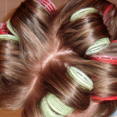 Волосы на бигуди-липучки 2