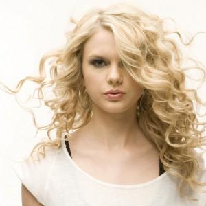 Красивые локоны различной формы на длинных волосах