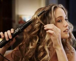 локоны на длинные волосы плойкой
