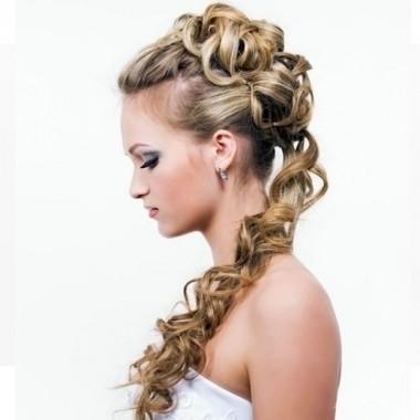 прически с локонами на длинные волосы 2