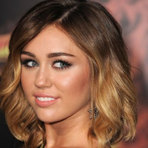 Короткие волосы, окрашенные в стиле омбре