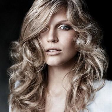 градуированная стрижка для кудрявых длинных волос