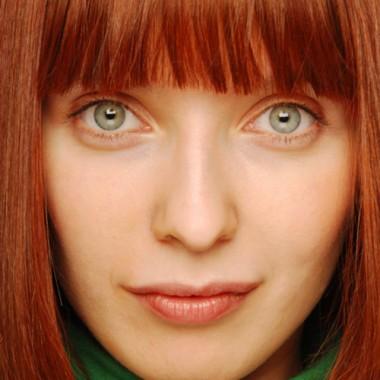 яркий огненно-рыжий цвет волос для голубых глаз