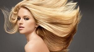 Фотография девушки со светлыми волосами